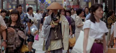1346665232-japan-tokyo-monk-mindful-walking-1